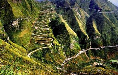 贵州实施易地搬迁工程,改善因道路不通而积贫积弱的面貌
